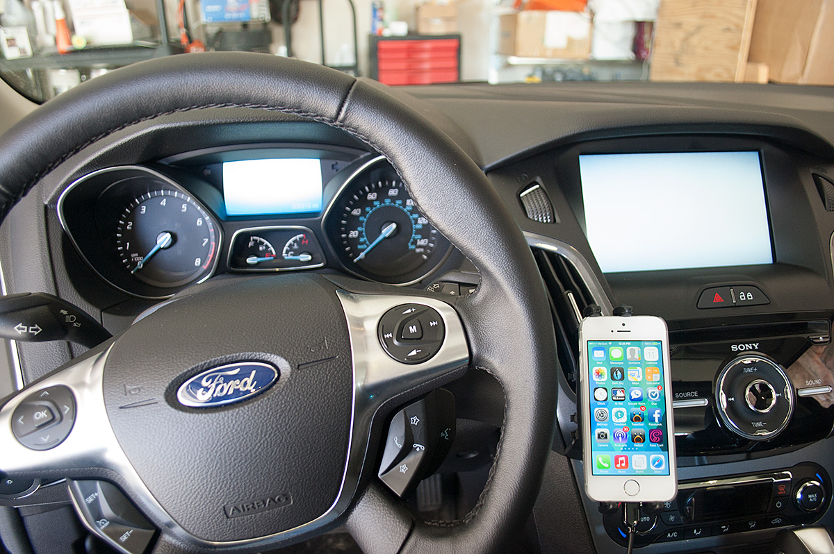 Ford Focus Cell Phone Mount